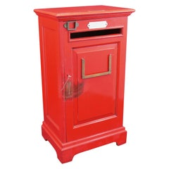 English 'Country House' Private Post Box, circa 1925