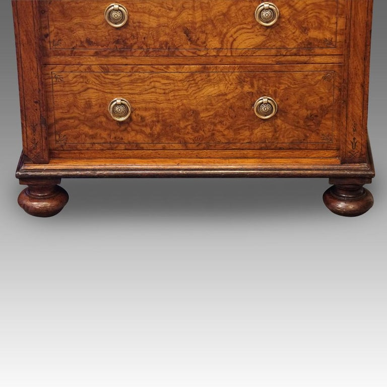 Victorian pollard oak Wellington chest This Victorian pollard oak Wellington chest was made circa 1880 in one of the best workshops of the period. Having 8 graduated mahogany lined drawers all with a fine etched aesthetic designs around the edge