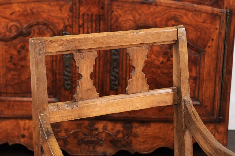 English Country Pine Chair circa 1800 with Scrolled Arms and Lift-Top Seat In Good Condition For Sale In Atlanta, GA