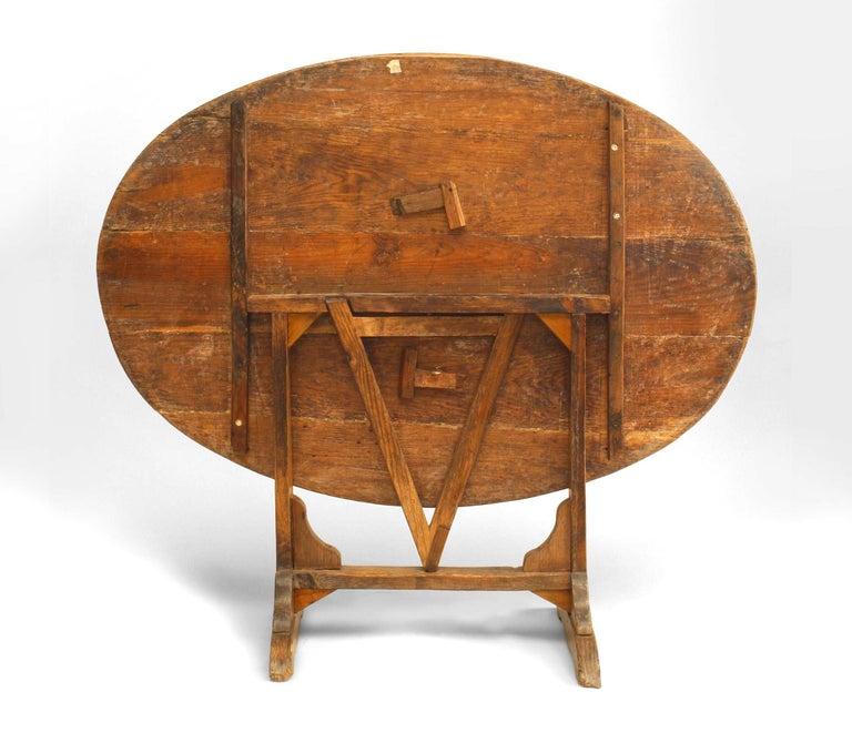 British English Country Style '19th Century' Tilt-Top End Table For Sale