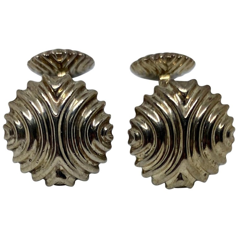 English Cufflinks in Sterling Silver For Sale