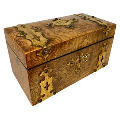 Tea Caddy in Carpathian Elm with Double Compartments-England, 19th c.