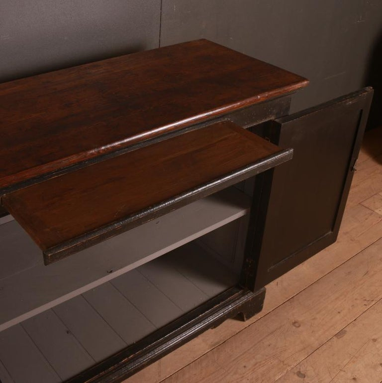 English Dresser Base In Good Condition For Sale In Leamington Spa, Warwickshire