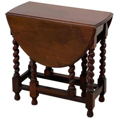 English Drop-Leaf Gate-Leg Table of Oak