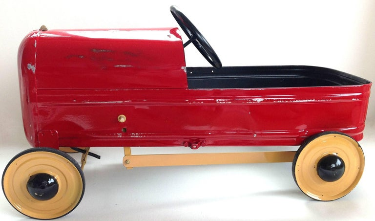 English 'Duke' Childs Pedal Car by Triang & Tri Trailer for Prop Display or Use For Sale 4