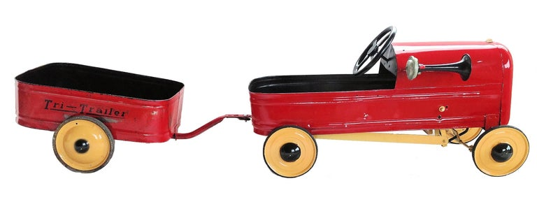 English 'Duke' Childs Pedal Car by Triang & Tri Trailer for Prop Display or Use For Sale 11