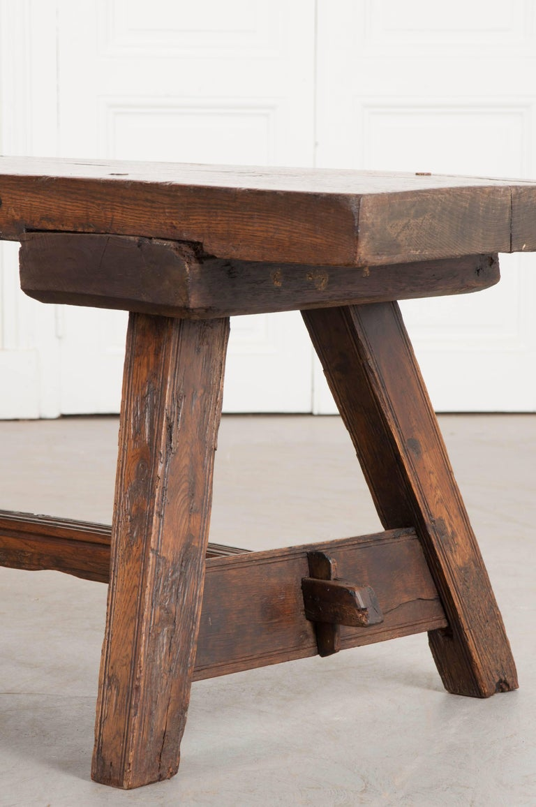 Patinated English Early 18th Century Thick Oak Bench For Sale
