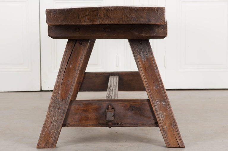 English Early 18th Century Thick Oak Bench For Sale 2