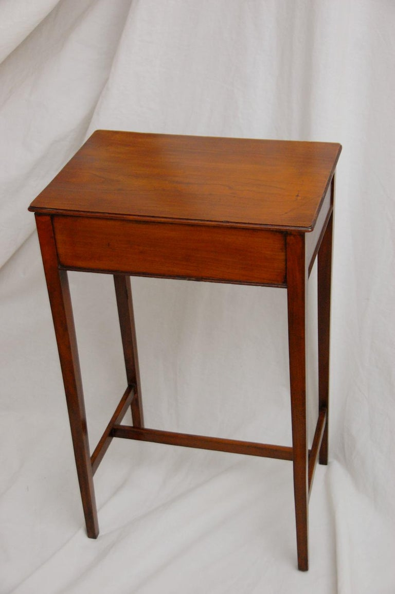 Regency English Early 19th Century Cedar One-Drawer Side Table For Sale