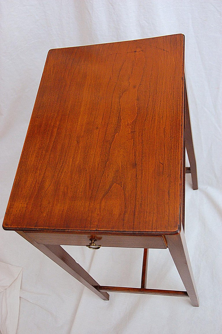 English Early 19th Century Cedar One-Drawer Side Table In Good Condition For Sale In Wells, ME