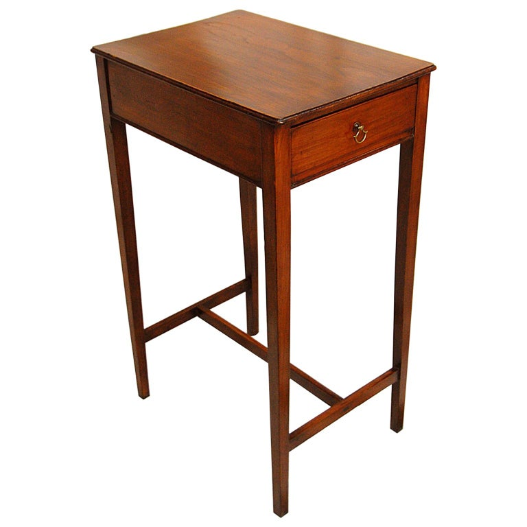 English Early 19th Century Cedar One-Drawer Side Table For Sale