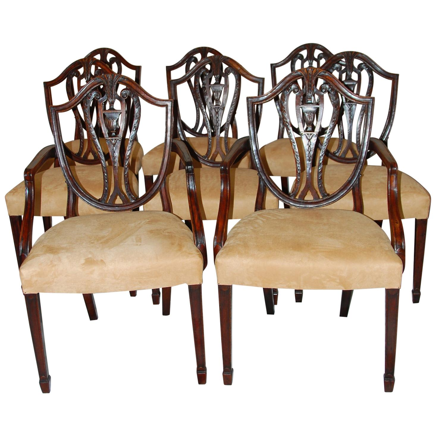 English Early 19th Century Hepplewhite Shieldback Dining Chairs, Set of Eight