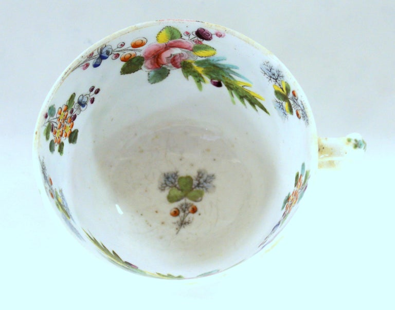 Hand-Painted English Early 19th Century New Hall Porcelain Floral Decor Cup and Saucer For Sale