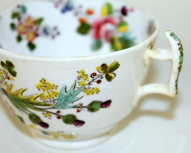 English Early 19th Century New Hall Porcelain Floral Decor Cup and Saucer For Sale 1