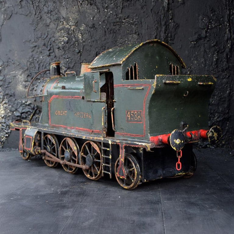British English Early 20th Century Amazing Scratch Built Locomotive For Sale