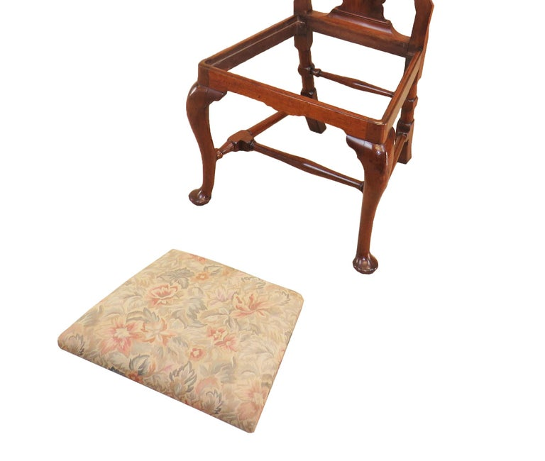 English Early Georgian Mahogany Set Of 4 Side Chairs For Sale 4