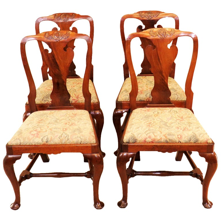 English Early Georgian Mahogany Set Of 4 Side Chairs For Sale