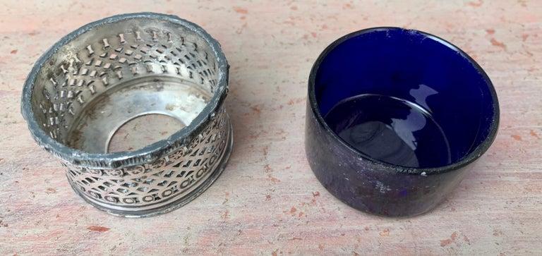 English EPBM Sheffield Silver Salt Cellar with Blue Glass Insert For Sale 4