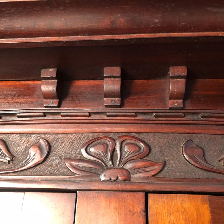 English Fine Antique Arts & Crafts Cotswold Mahogany Cabinet In Good Condition For Sale In Shelburne, VT
