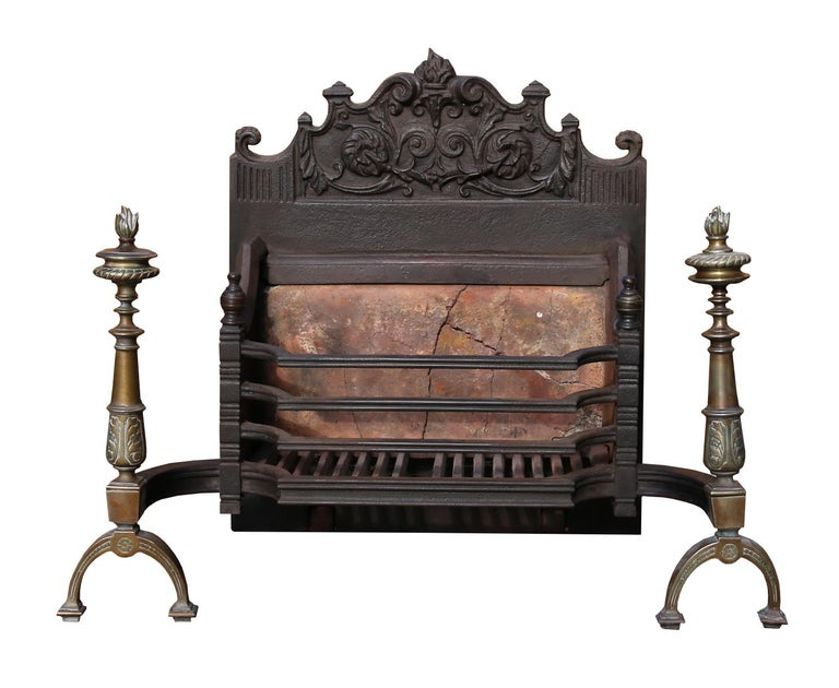English Fire Grate, circa 1910 In Fair Condition For Sale In Wormelow, Herefordshire