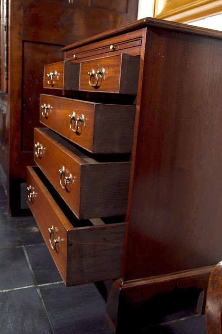 English Five-Drawer Chest with Slide For Sale 1