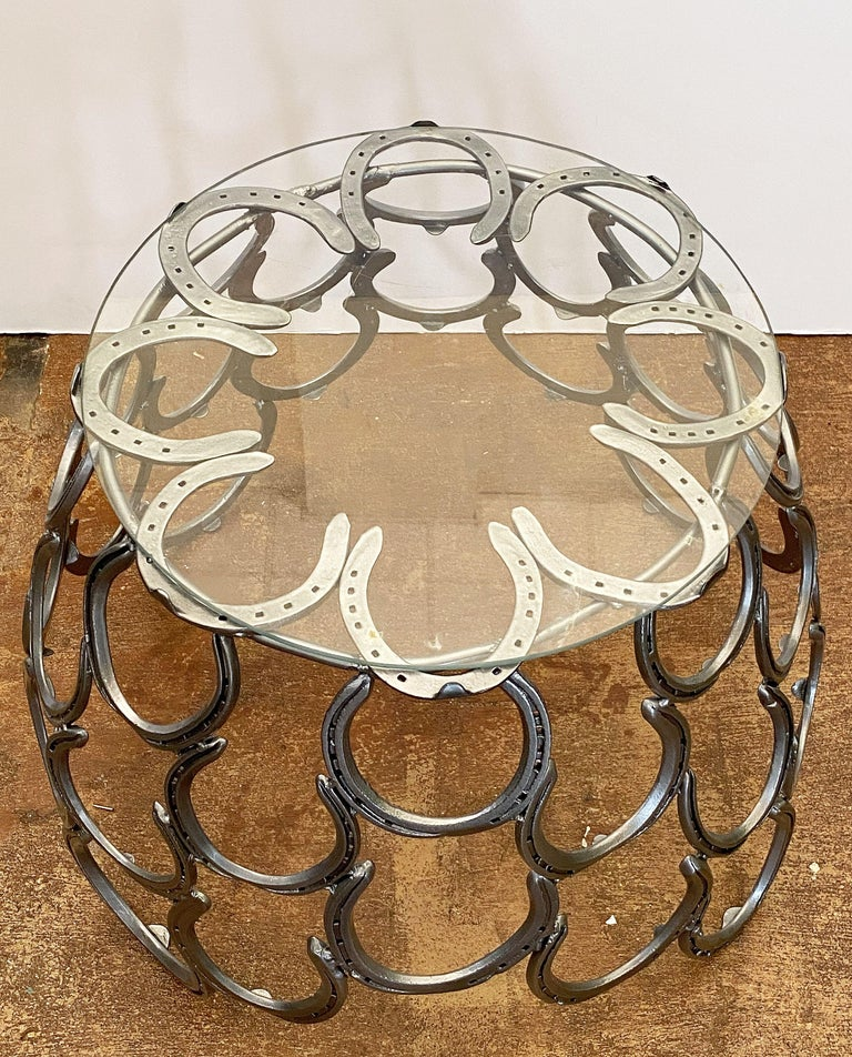 English Garden Set of Table and Two Chairs with a Horseshoe Design For Sale 4