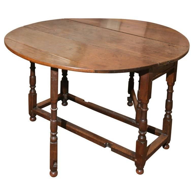 English Gate Leg or Drop-Leaf Table