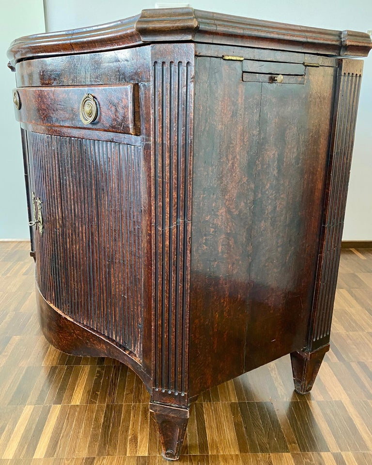 Neoclassical Dutch Burl Mahogany Commode/Sideboard, Late 18th Century For Sale