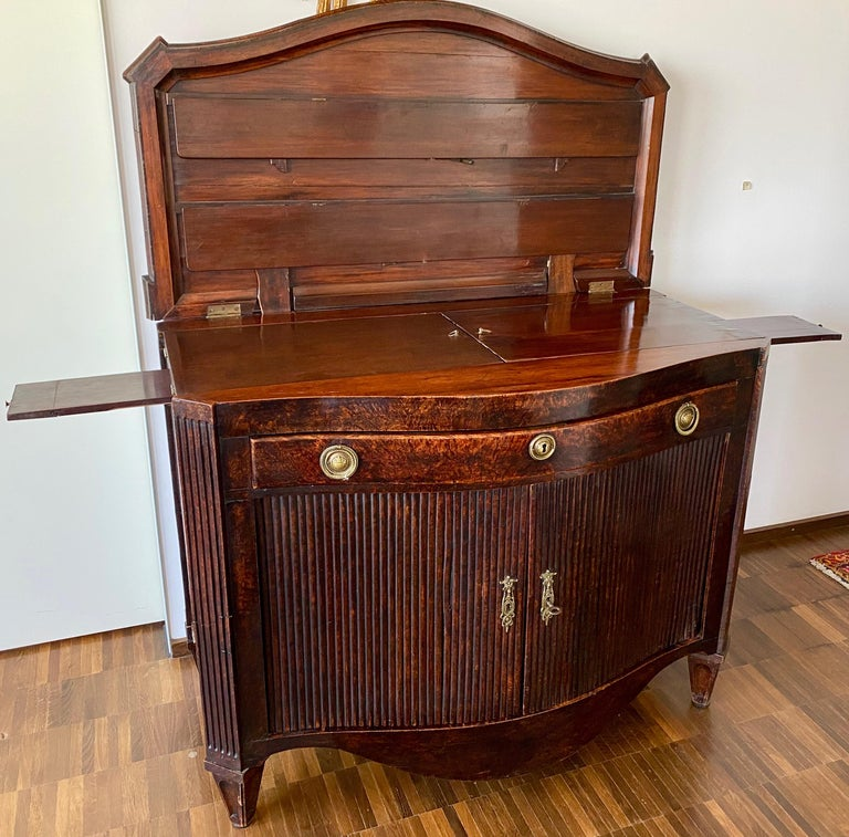 Dutch Burl Mahogany Commode/Sideboard, Late 18th Century For Sale 1