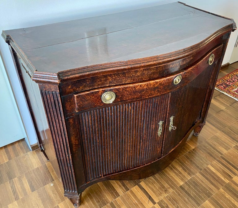 Dutch Burl Mahogany Commode/Sideboard, Late 18th Century For Sale 4