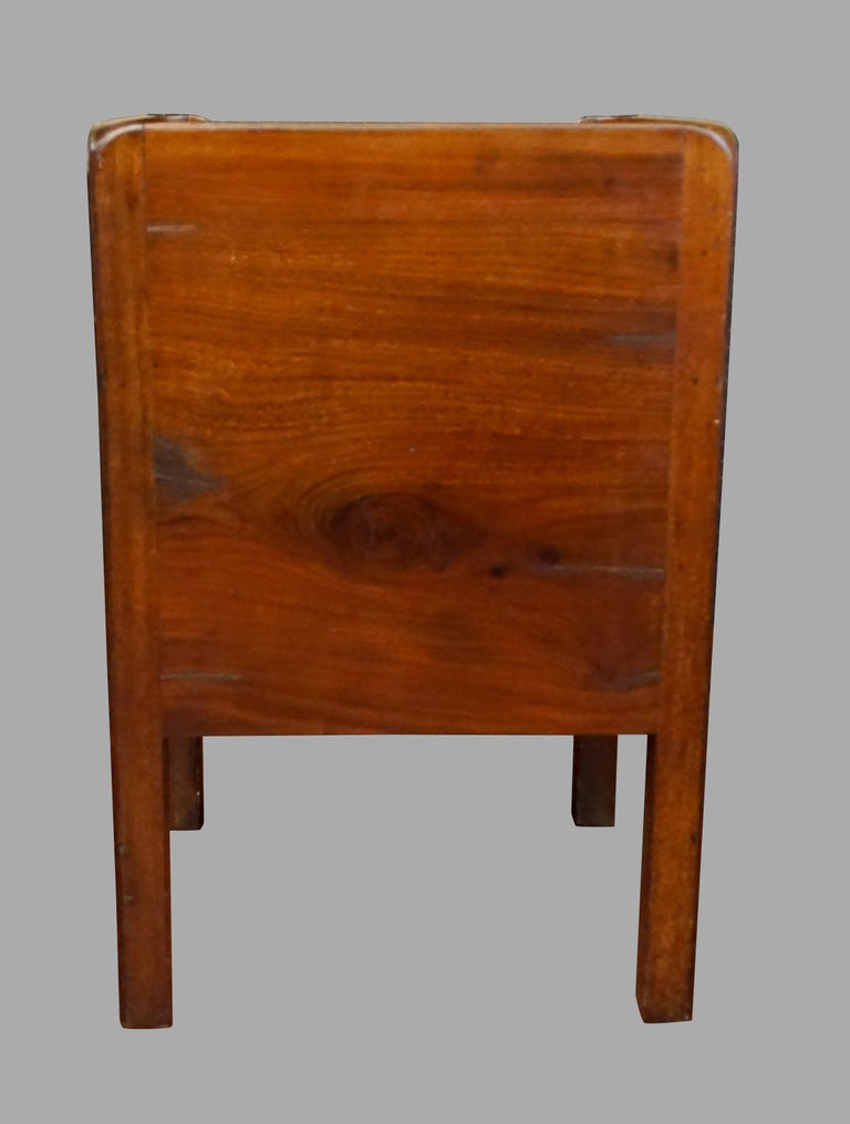 English George III Figured Mahogany Bedside Commode with Drawer For Sale 2