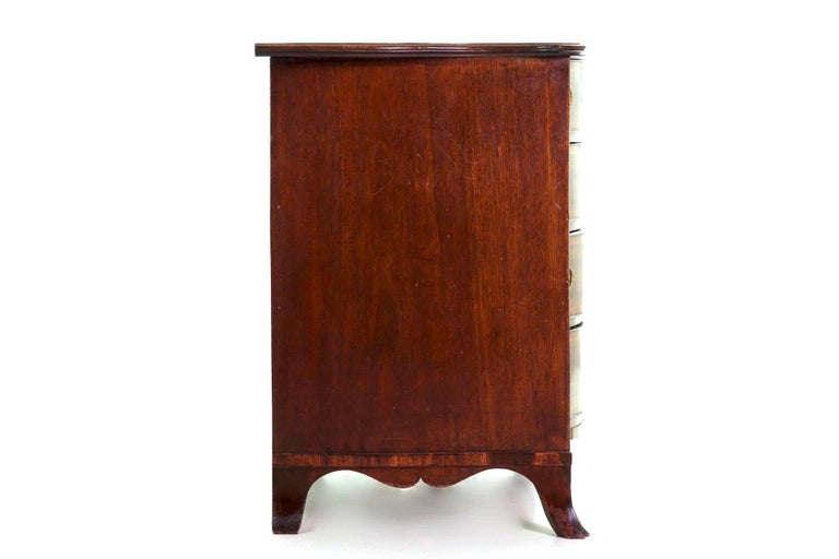 English George III Inlaid Mahogany Serpentine Secretary Chest of Drawers In Good Condition For Sale In Shippensburg, PA
