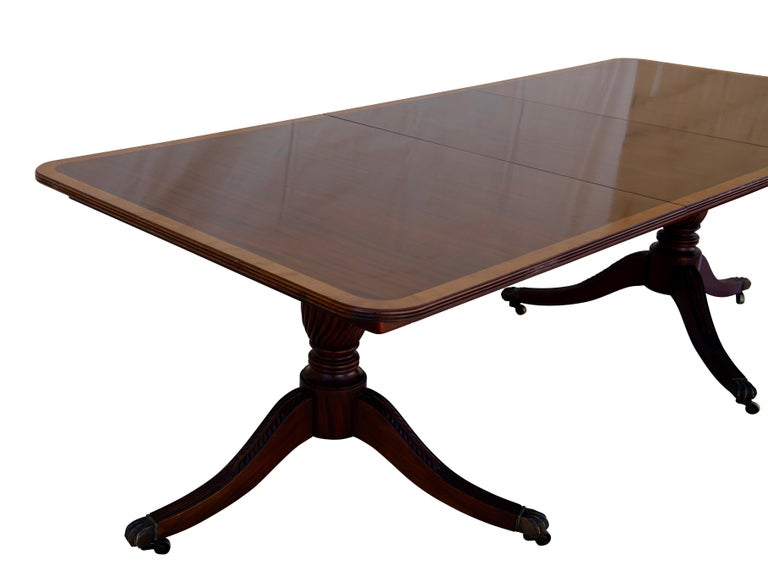 English George III Mahogany Banquet Dining Table, Early 19th Century In Good Condition For Sale In San Francisco, CA