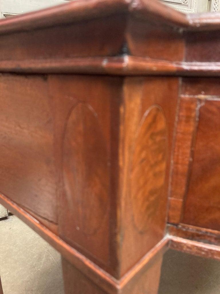 English George III Mahogany Sideboard For Sale 15