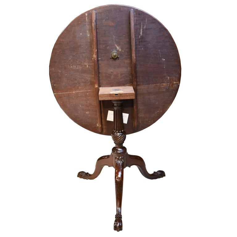 English George III Round Tilt-Top, Tripod Tea Table in Mahogany, circa 1780 For Sale 7