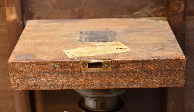 English George III Round Tilt-Top, Tripod Tea Table in Mahogany, circa 1780 For Sale 9