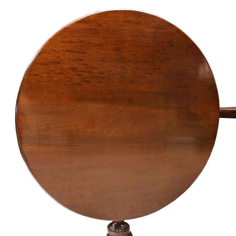 English George III Round Tilt-Top, Tripod Tea Table in Mahogany, circa 1780 For Sale 3