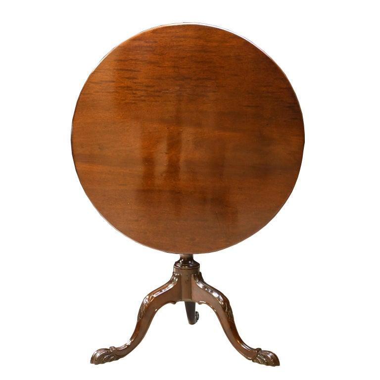 English George III Round Tilt-Top, Tripod Tea Table in Mahogany, circa 1780 For Sale 4