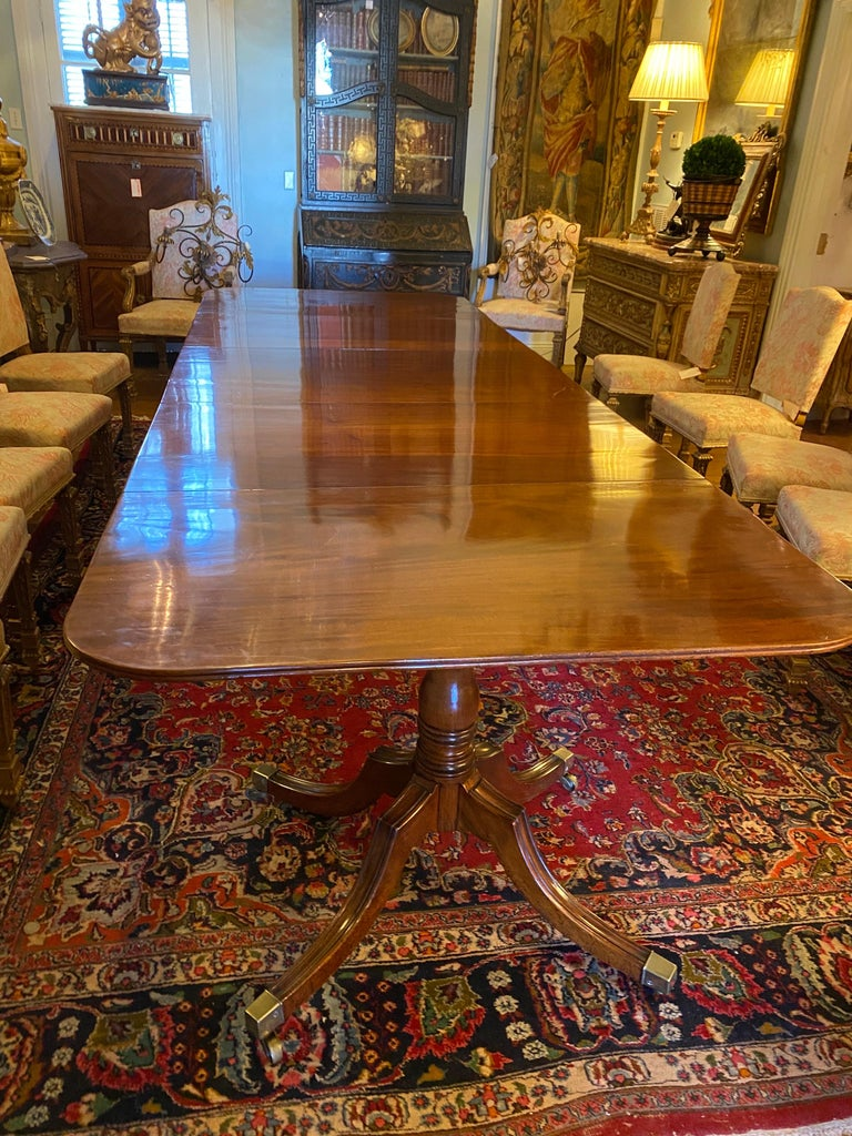 English George III Three Pedestal Dining Table For Sale 5