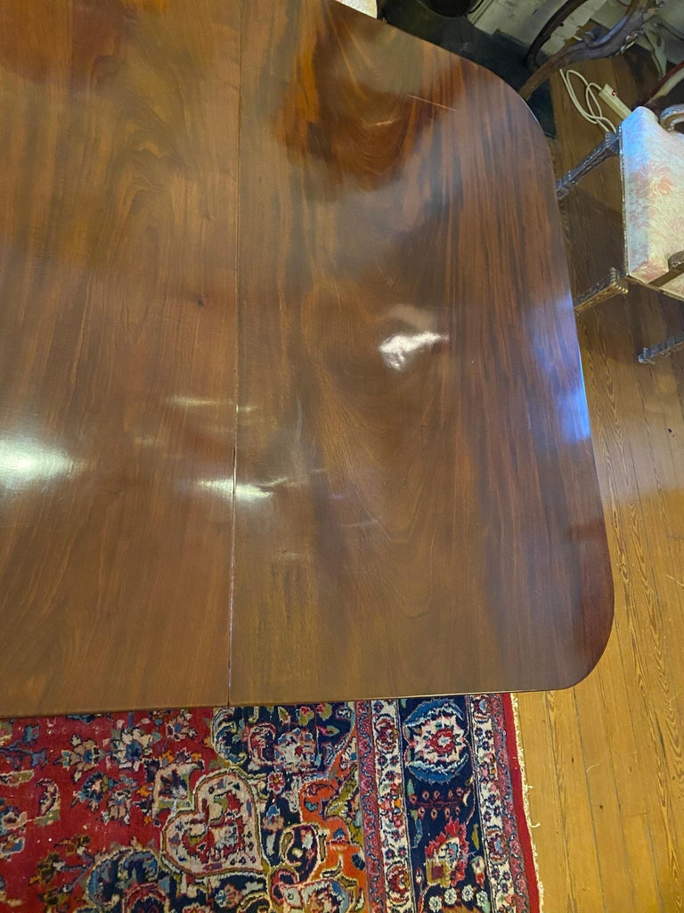 English George III Three Pedestal Dining Table For Sale 1