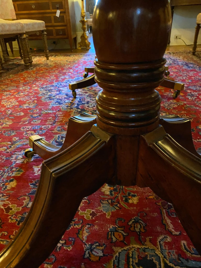 English George III Three Pedestal Dining Table For Sale 2
