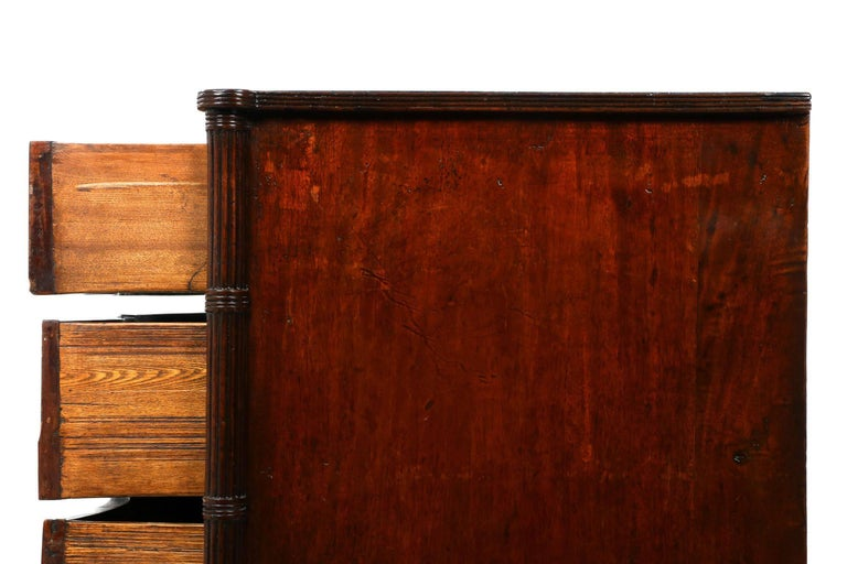 English Georgian Mahogany Antique Serpentine Chest of Drawers, 19th Century For Sale 1