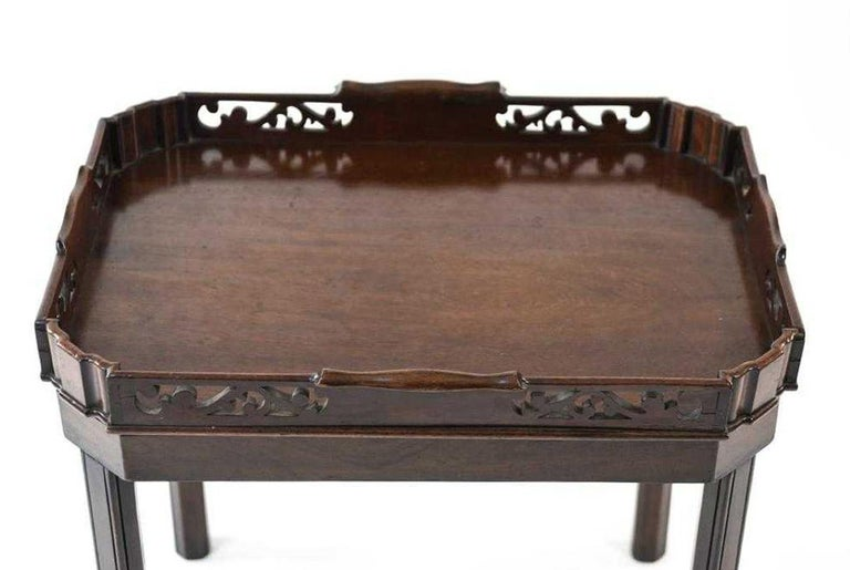 Hand-Crafted English Georgian Mahogany Butler Tray Table For Sale