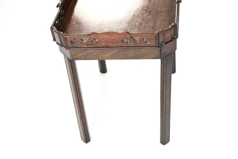 English Georgian Mahogany Butler Tray Table In Good Condition For Sale In Great Barrington, MA