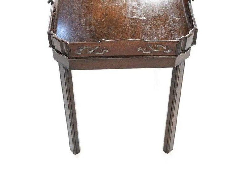 19th Century English Georgian Mahogany Butler Tray Table For Sale