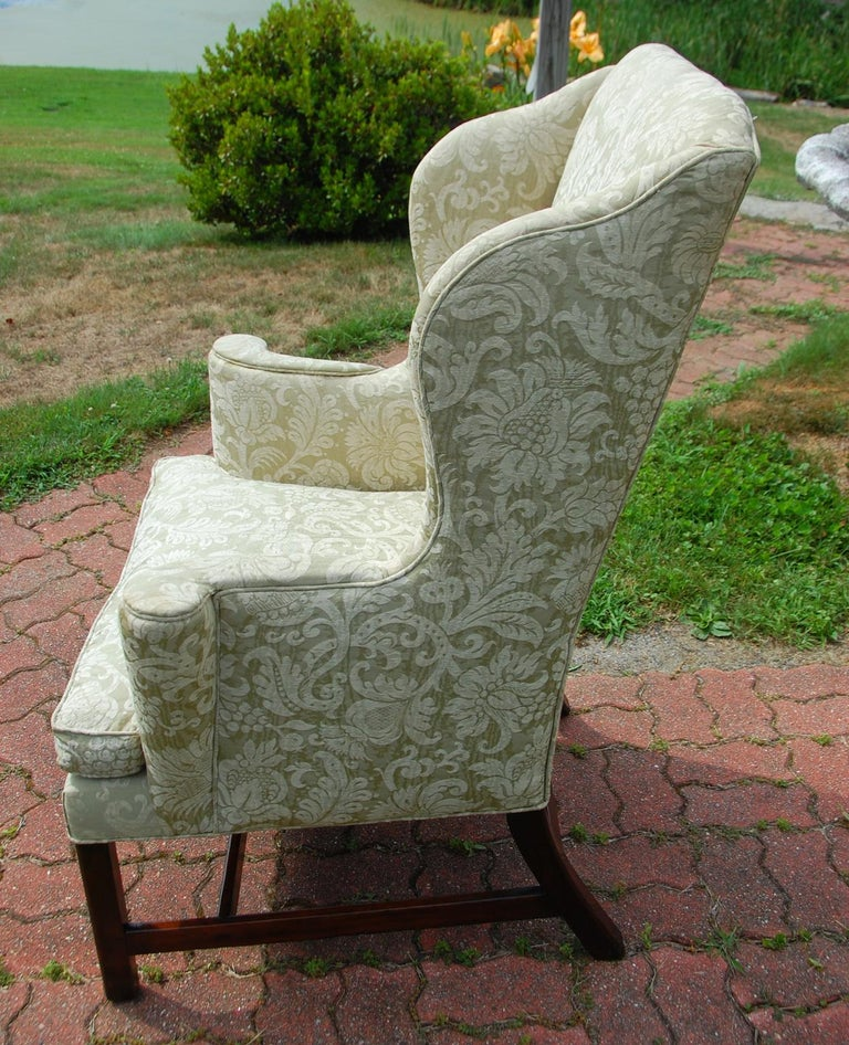 English Georgian Period Chippendale Mahogany Wing Chair In Good Condition For Sale In Wells, ME