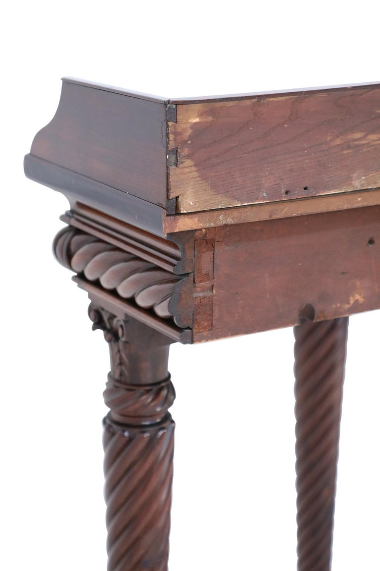 English Georgian Style Mahogany Console Table with Lion Feet For Sale 3