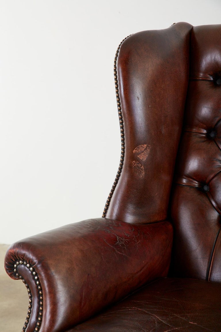 English Georgian Style Tufted Leather Chesterfield Wingback Settee For Sale 6