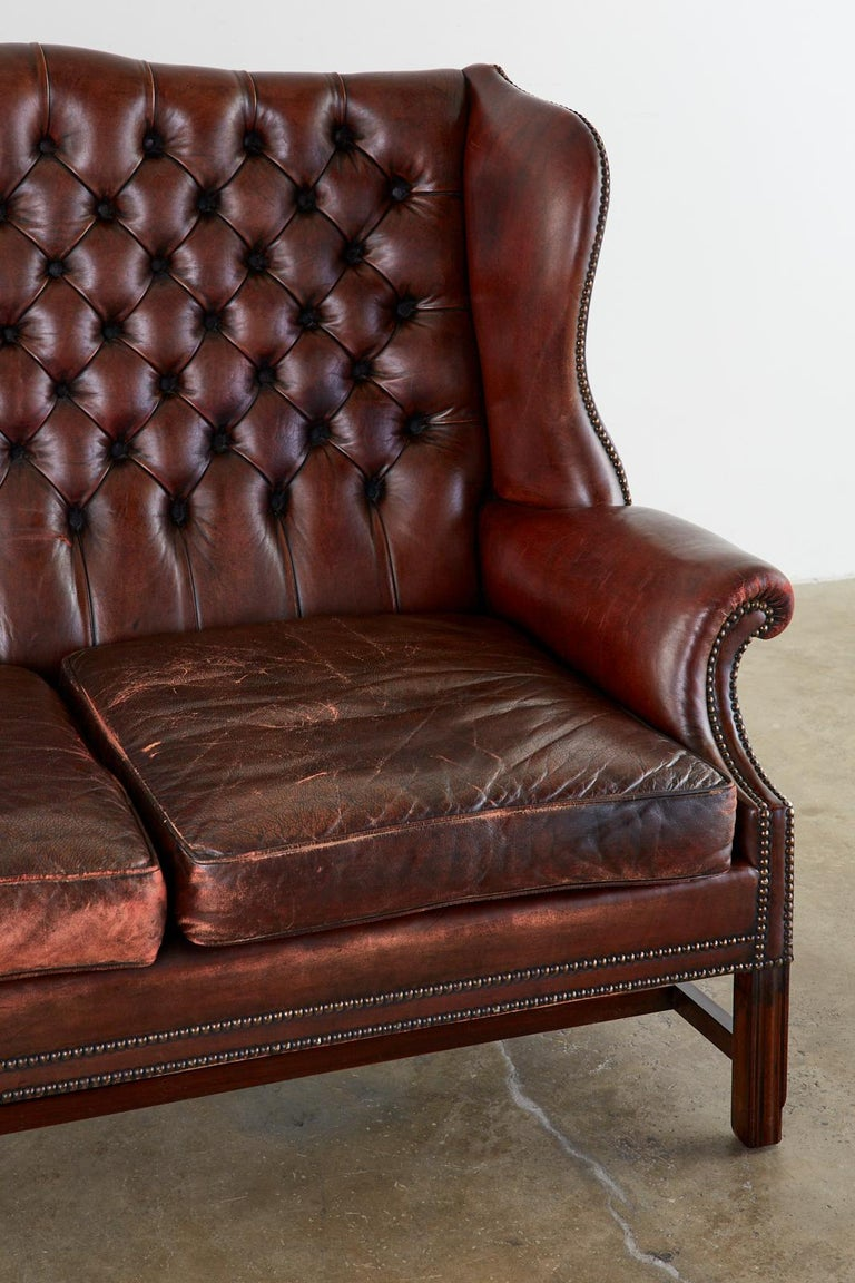 English Georgian Style Tufted Leather Chesterfield Wingback Settee For Sale 2