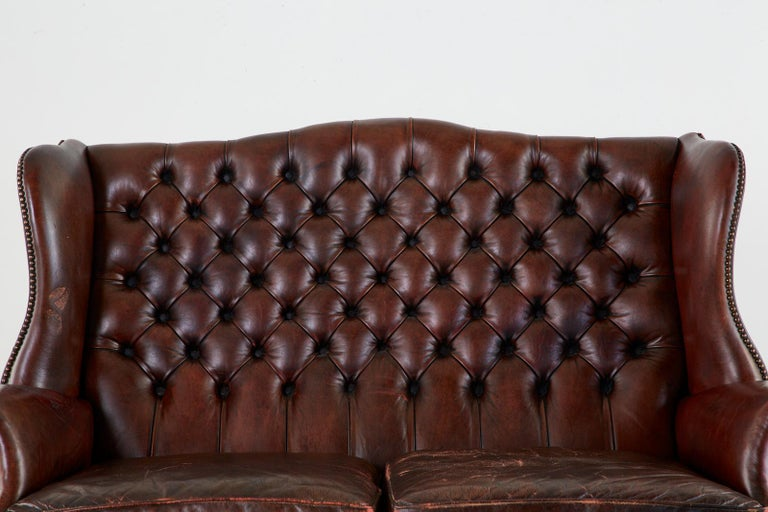 English Georgian Style Tufted Leather Chesterfield Wingback Settee For Sale 3